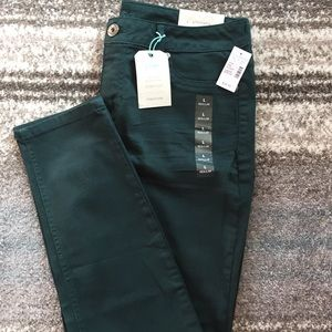 NWT L hunter green Maurice's jeggings
